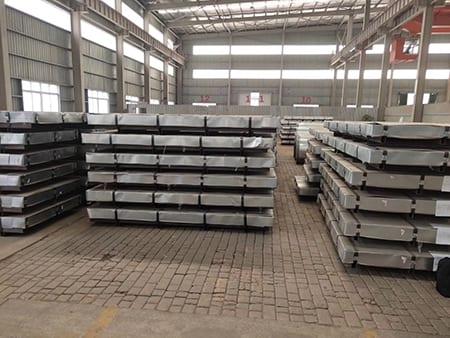 Ár-Warehouse-1
